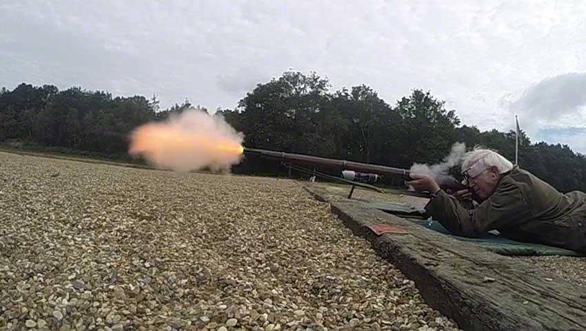 Enfield Volunteer Rifle: Flame and bullet emerge.