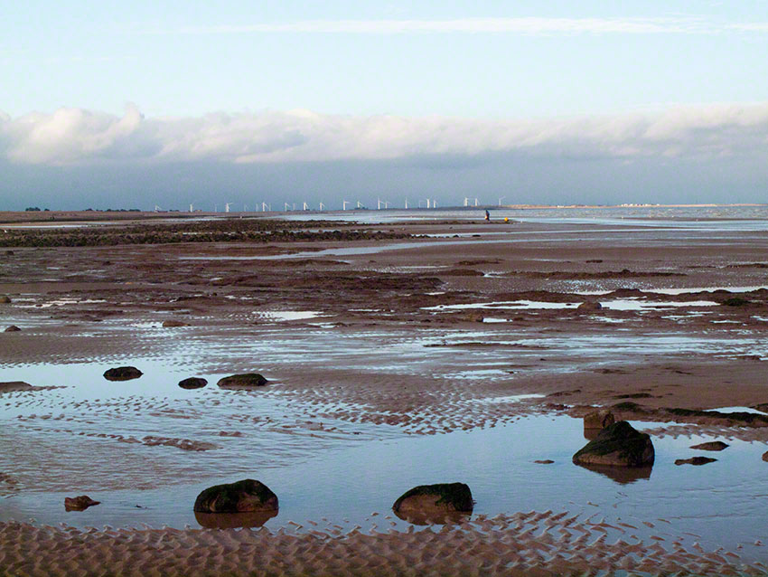 View east, towards the Thanet wind farm, and lower sandy shore.